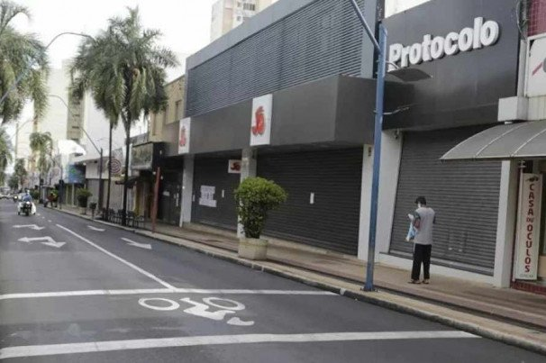 Araraquara No Interior De Sp Decreta Lockdown Total Proibe Carros E Fecha Ate Supermercados